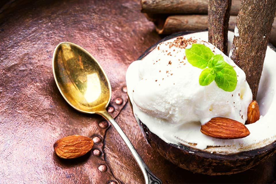 helado de almendras en casa emiliana
